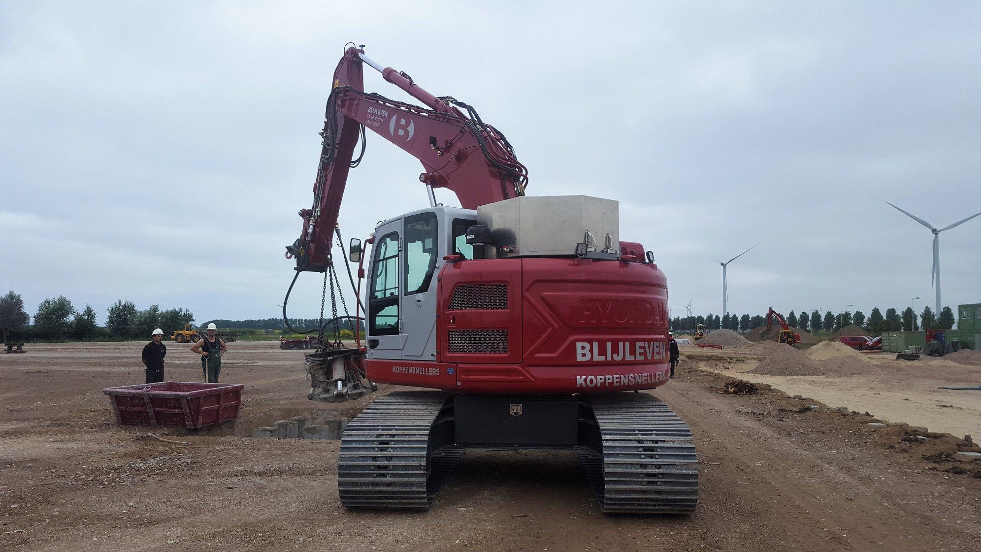 Nieuwe Hyundai HX235LCR geleverd bij Blijleven BV